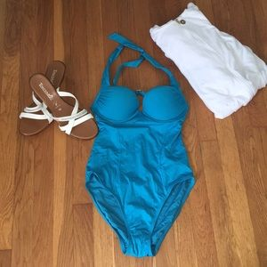 New no tag Victoria secret size 34 b  swimsuit